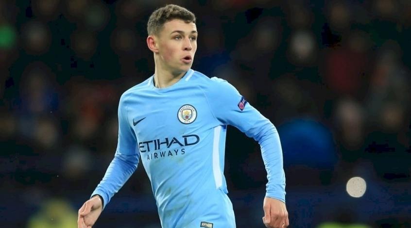"""18-летний игрок """"Манчестер Сити"""" купил дом за 2 миллиона фунтов, чтобы жить с родителями"""
