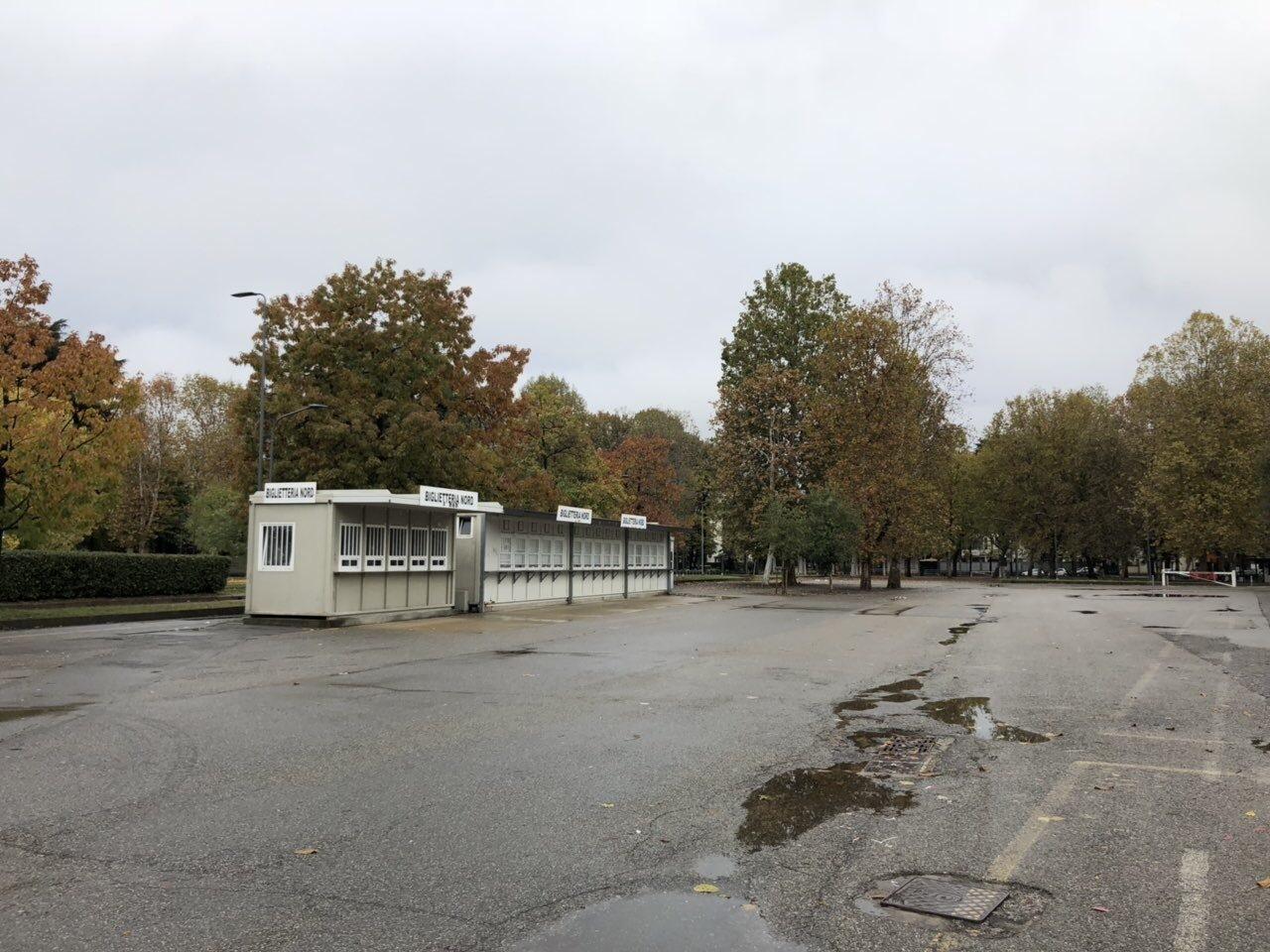 """Осенний """"Сан-Сиро"""", или серые футбольные будни Милана (Фото) - изображение 43"""