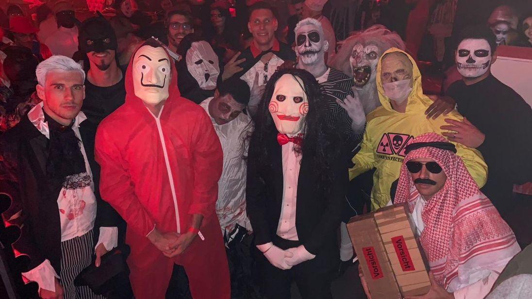 """Защитник """"Баварии"""" попал под раздачу из-за костюма на Хэллоуин (Фото) - изображение 1"""