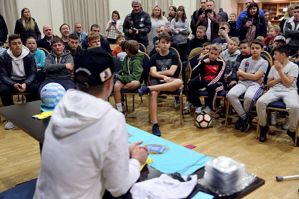 Олександр Зінченко дав майстерклас дітям у Манчестері (Фото, Відео) - изображение 2