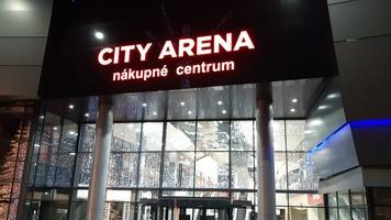 Словацкие зарисовки: ценитель Украины из Японии, стадион в торговом центре и грустный футбол (+Фото)