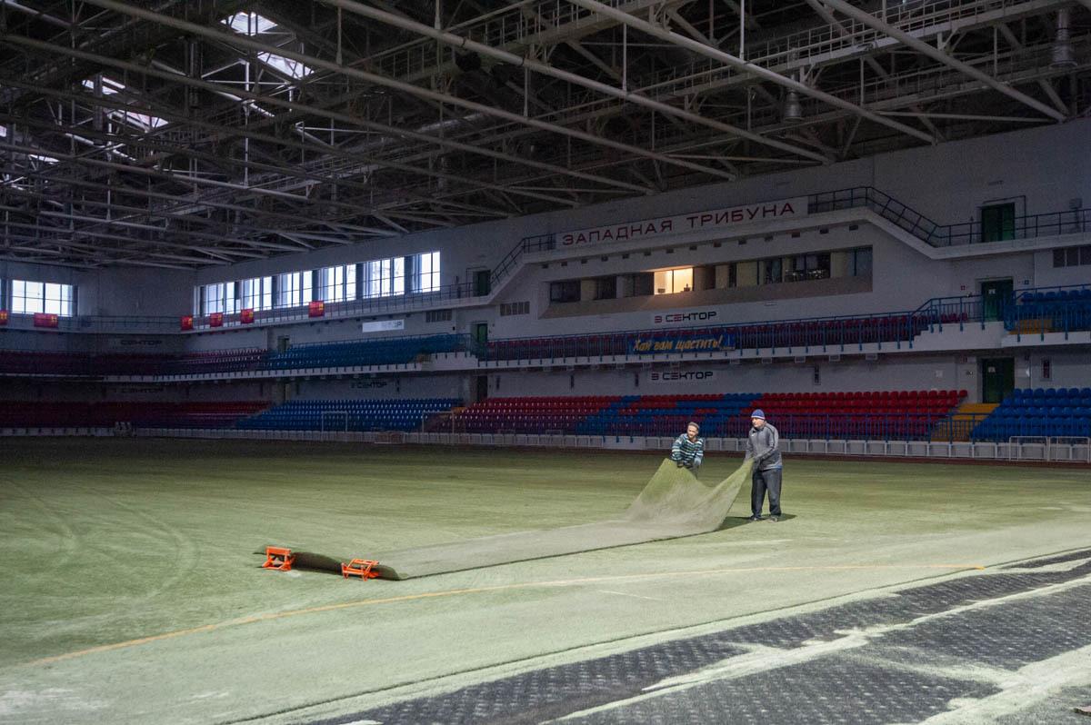 """В СК """"Ильичевец"""" стартовал проект по замене покрытия футбольного поля  (+Фото) - изображение 2"""