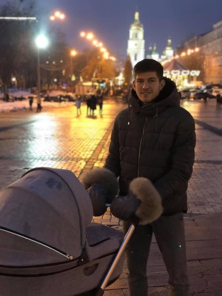 Футболисты на отдыхе: луганская банда, костюм Коноплянки (Фото) - изображение 1