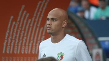 Ніколас Карека готується до відновлення сезону з персональним тренером (Відео)