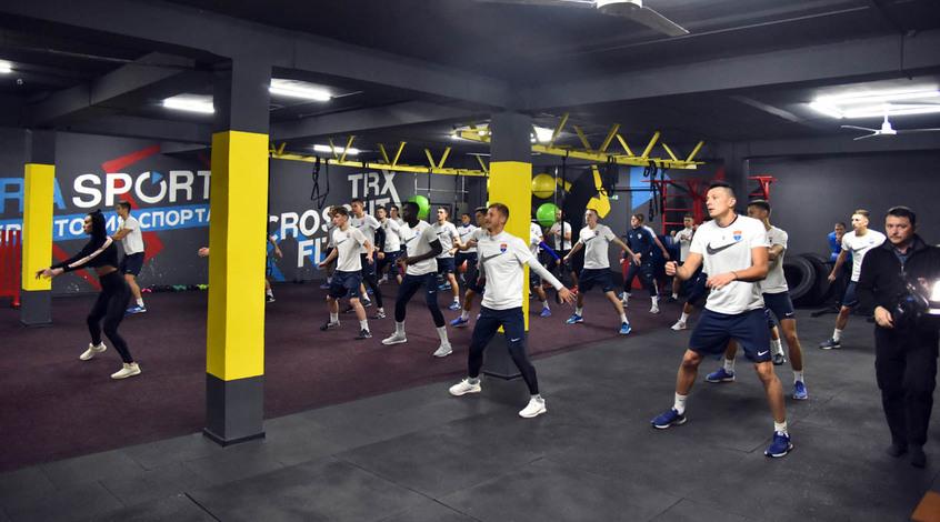 """""""Мариуполь: утром - тренировка, вечером - зажигательный фитнес"""
