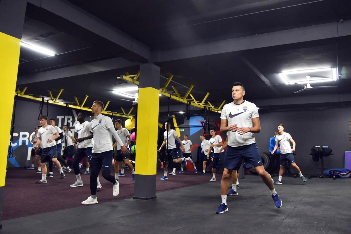 """""""Мариуполь: утром - тренировка, вечером - зажигательный фитнес - изображение 1"""