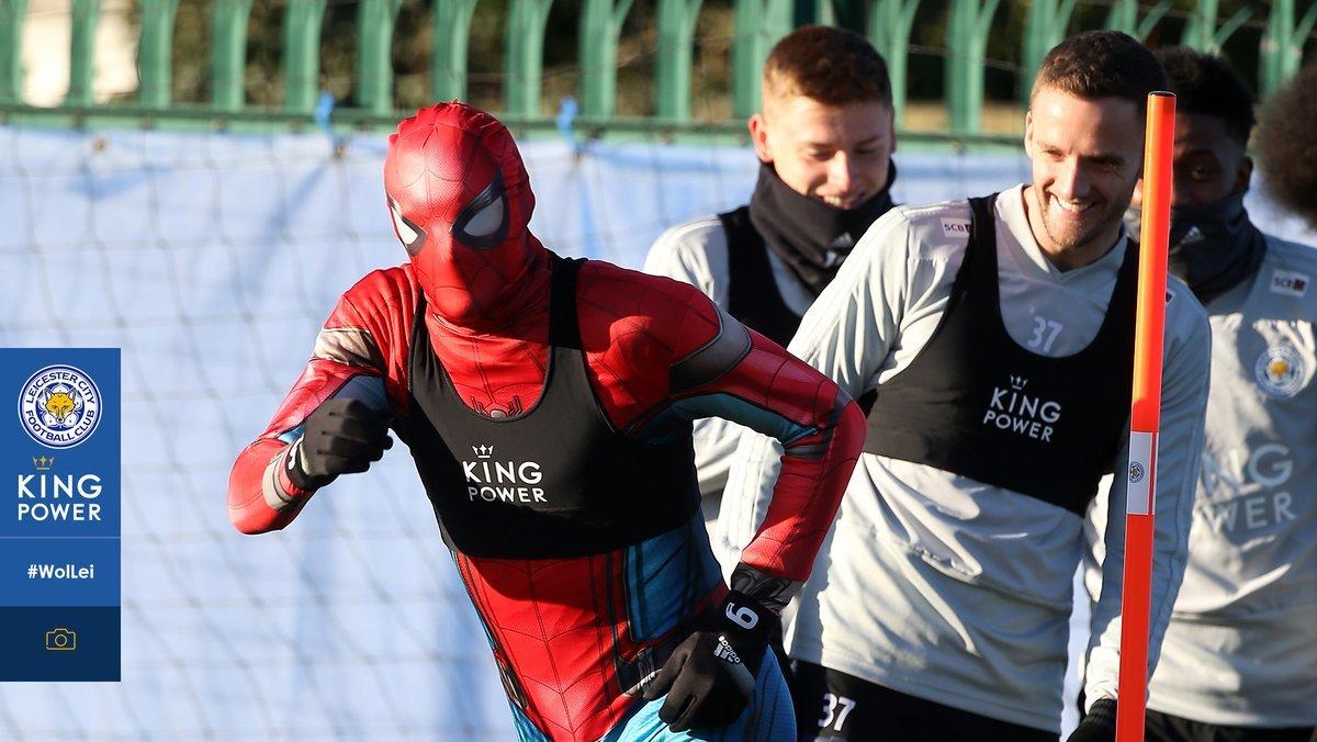 Джейми Варди провел тренировку в костюме человека-паука (Фото) - изображение 1