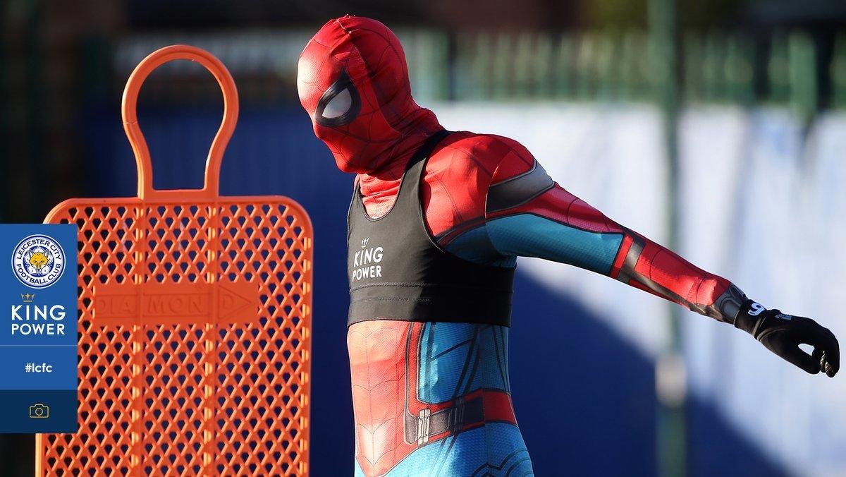 Джейми Варди провел тренировку в костюме человека-паука (Фото) - изображение 2