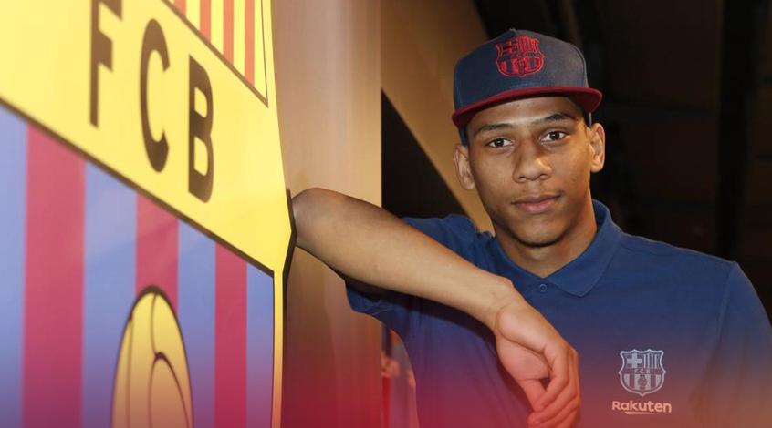 """Защитник """"Барселоны"""" Тодибо может стать частью сделки по де Лигту"""