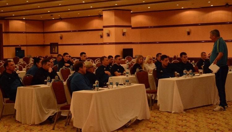 """Арбітри УПЛ в Туреччині: знайомство з VAR, тест """"йо-йо"""" та поради Стеванато - изображение 7"""