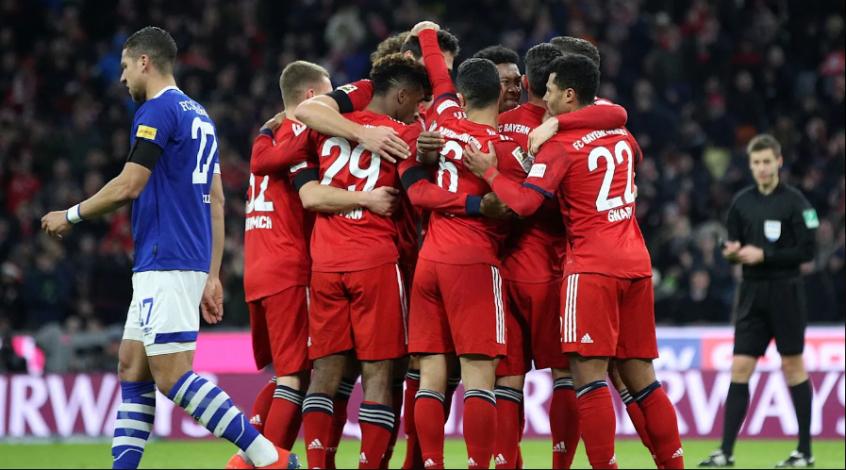 "Чемпионат Германии, 21-й тур. ""Бавария"" сокращает дистанцию"