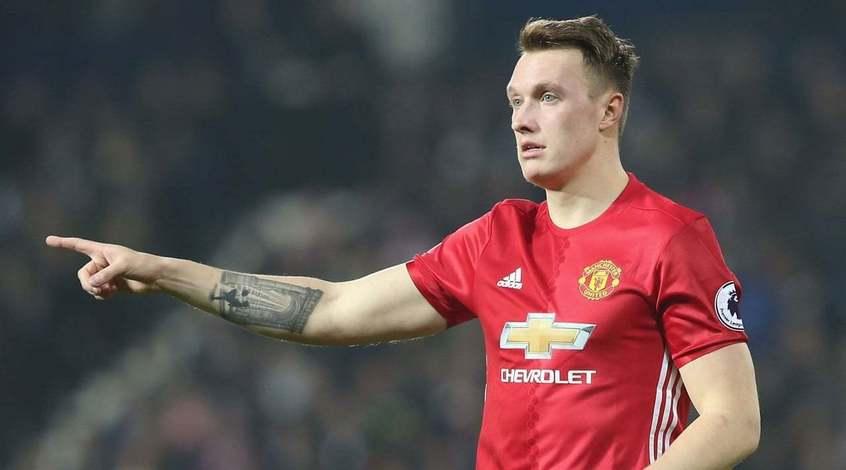 """Фил Джонс: """"Манчестер Юнайтед"""" был посмешищем на старте сезона"""""""