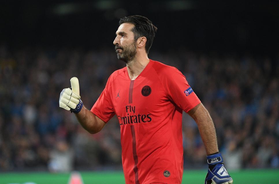 France Football назвал топ-10 голкиперов за всю историю футбола: Яшин - первый, Буффон - четвертый - изображение 3