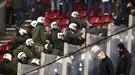"""Как греческие полицейские избивали болельщиков """"Динамо"""" (Фото, Видео)"""