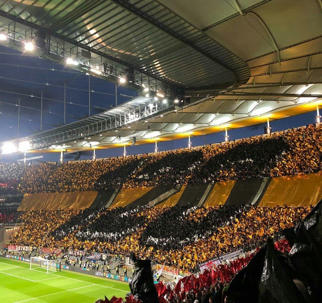 """Лучший фанатский перфоманс недели: словацкий """"ад"""" и цепи на воротах в Швейцарии (+Фото, Видео) - изображение 11"""