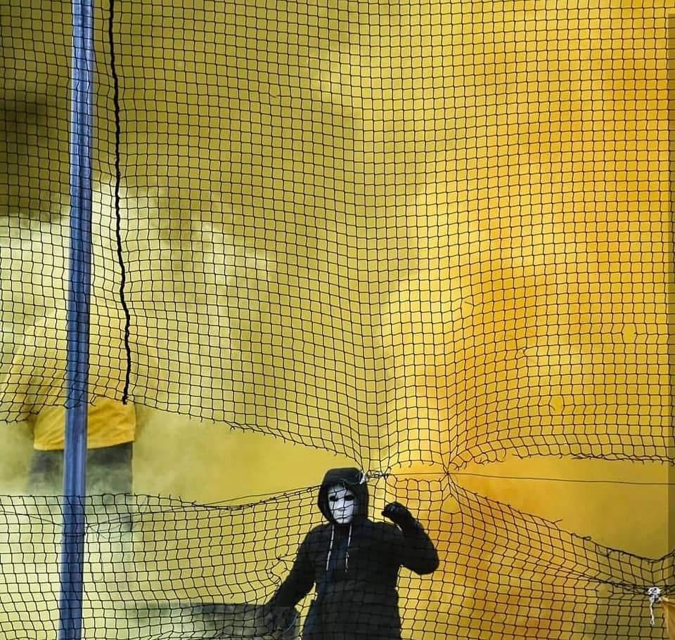 """Лучший фанатский перфоманс недели: словацкий """"ад"""" и цепи на воротах в Швейцарии (+Фото, Видео) - изображение 20"""