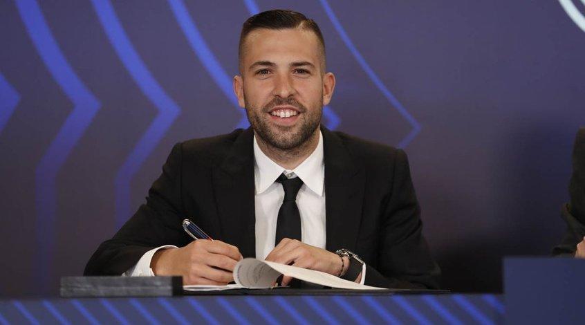 """""""Барселона"""" объявила о продлении контракта с Хорди Альбой"""