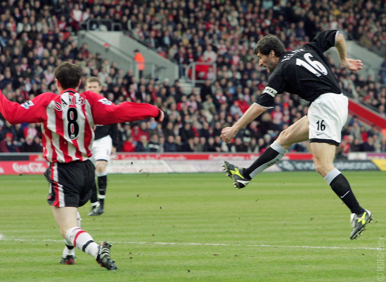 """Фото дня: 14 лет назад Рой Кин забил свой последний гол за """"Манчестер Юнайтед"""" - изображение 1"""