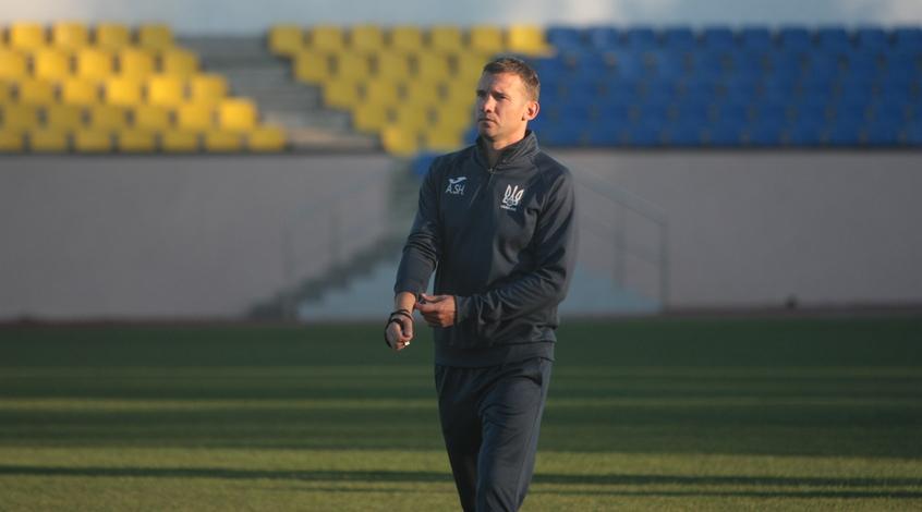 Андрей Шевченко проведет тренировку с Али - мальчиком, родившемся без обеих ног