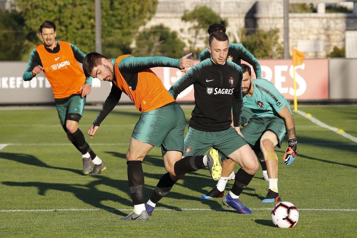 Cборная Португалии готовится к матчу с Украиной: пока без Криштиану Роналду (+Фото) - изображение 3