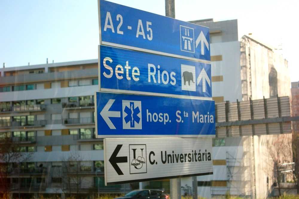 Лиссабонские зарисовки: город контрастов, охота на Роналду и развлекательное шоу на стадионе - изображение 1