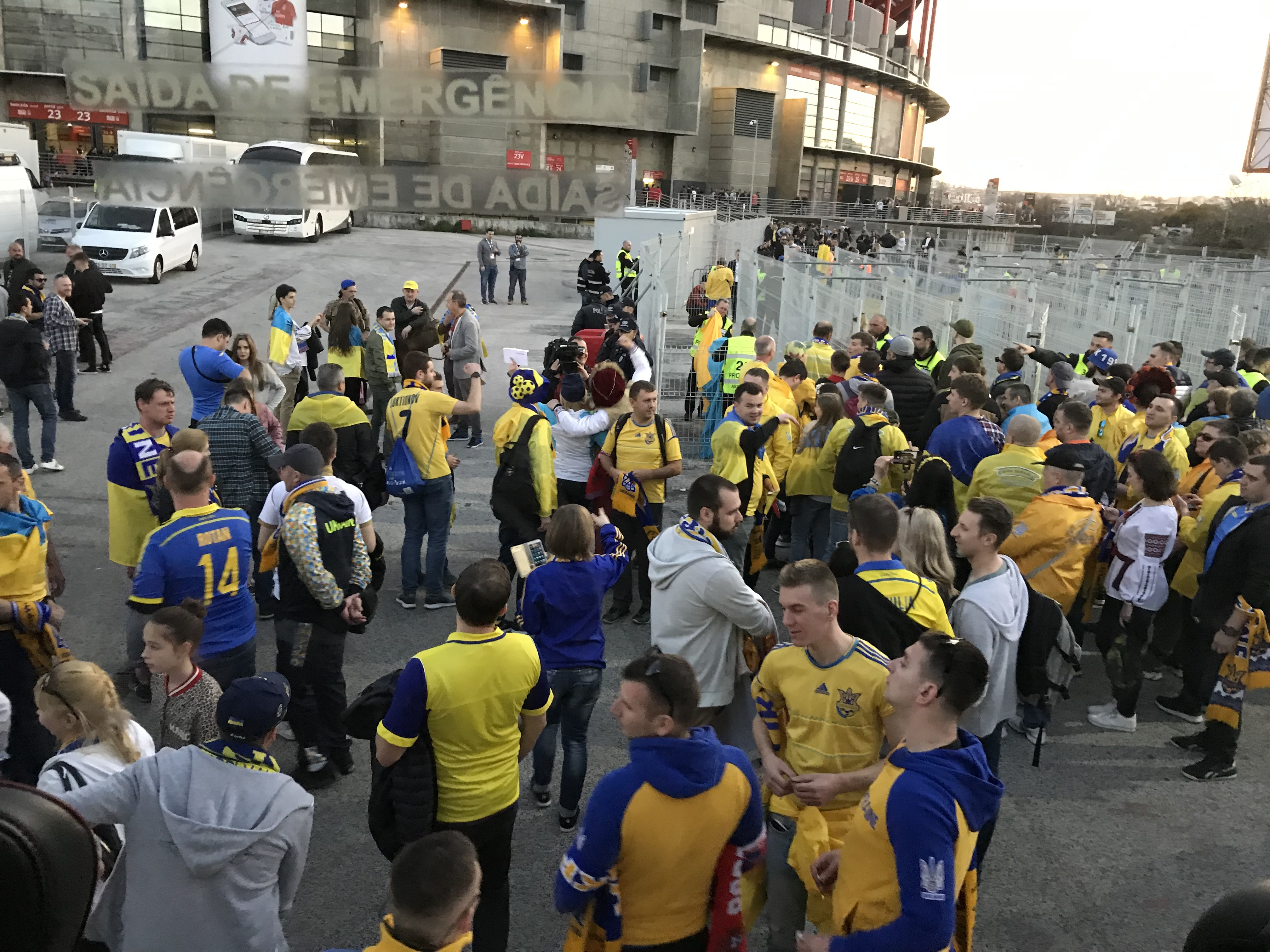 Лиссабонские зарисовки: город контрастов, охота на Роналду и развлекательное шоу на стадионе - изображение 8
