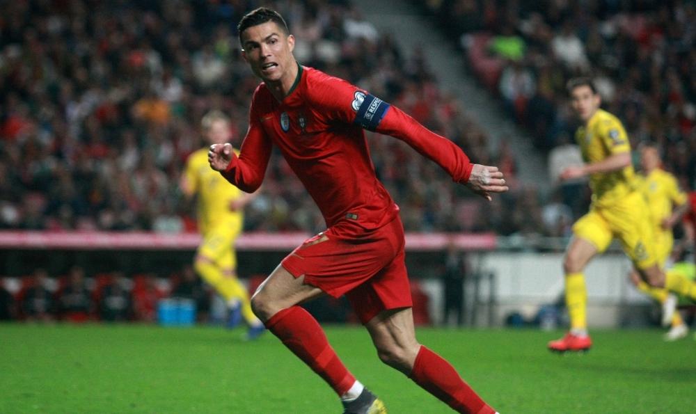 Лиссабонские зарисовки: город контрастов, охота на Роналду и развлекательное шоу на стадионе - изображение 20