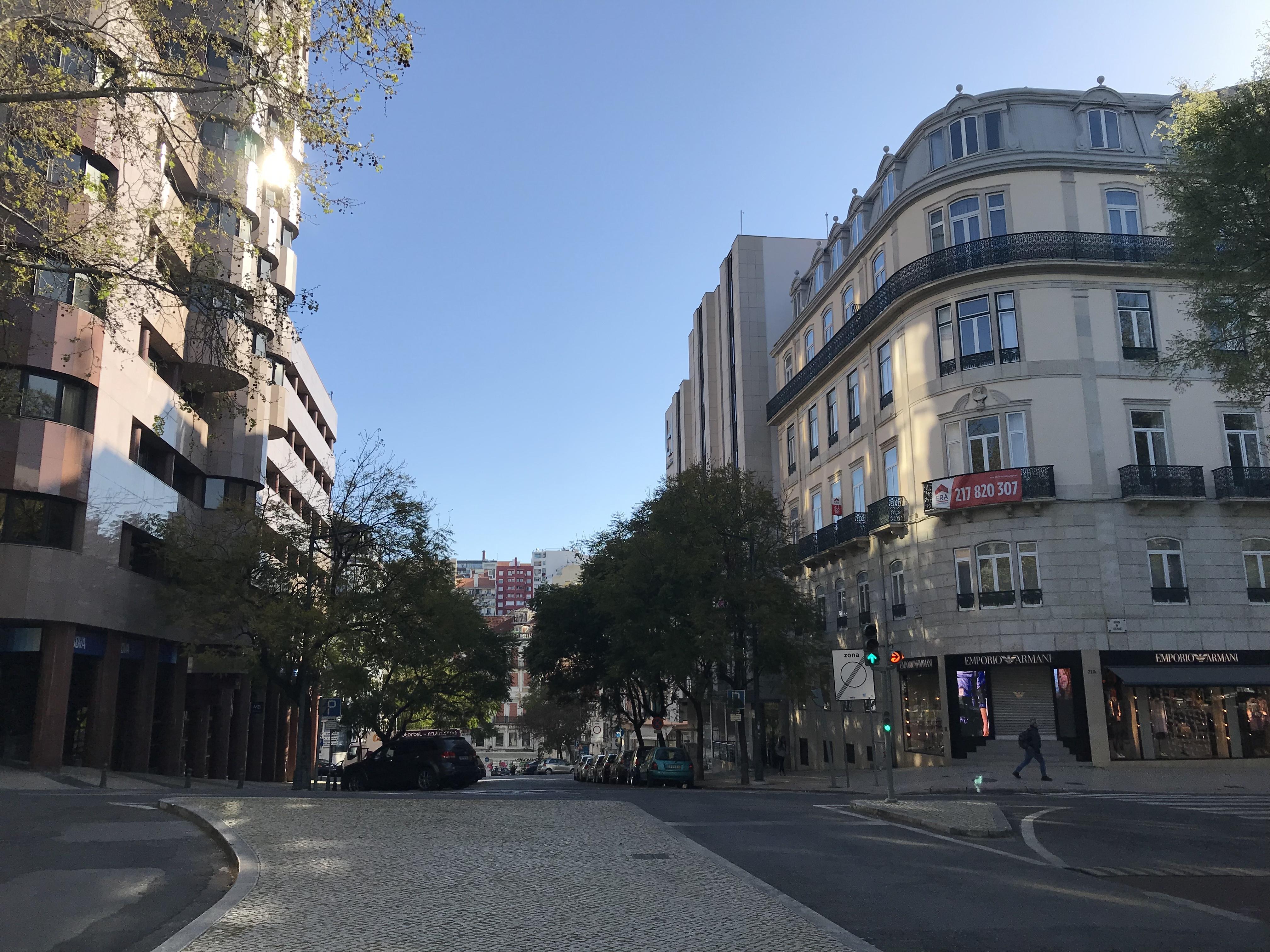 Лиссабонские зарисовки: город контрастов, охота на Роналду и развлекательное шоу на стадионе - изображение 27