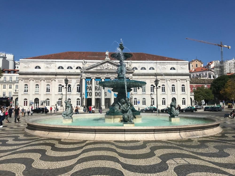 Лиссабонские зарисовки: город контрастов, охота на Роналду и развлекательное шоу на стадионе - изображение 30