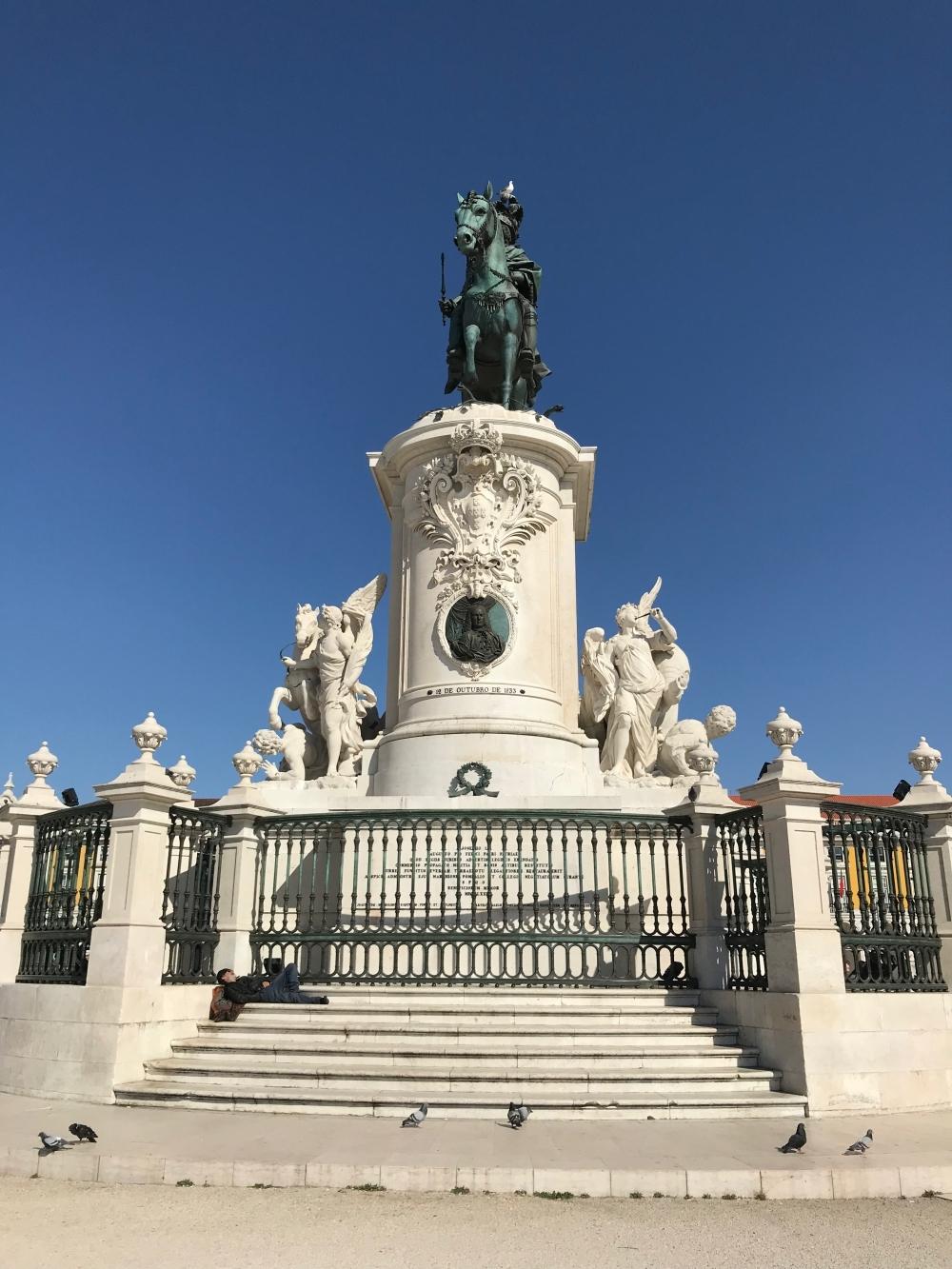 Лиссабонские зарисовки: город контрастов, охота на Роналду и развлекательное шоу на стадионе - изображение 31