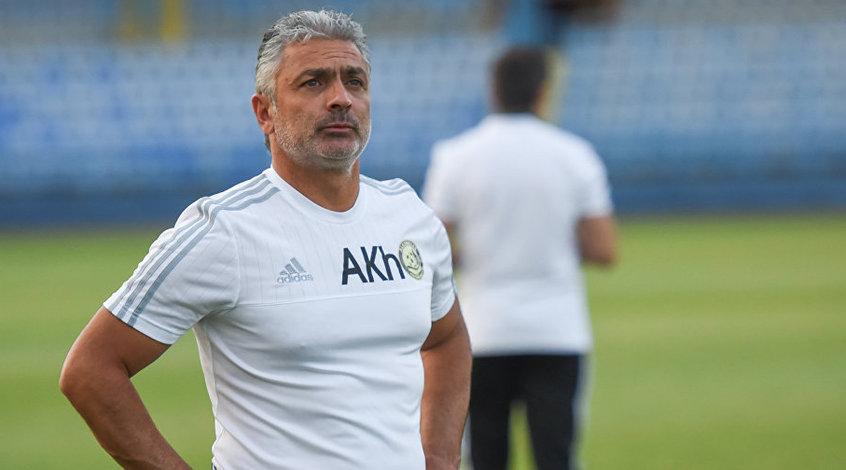 """Скандал в армянском футболе: тренер """"Арарата"""" избил нападающего своей команды"""