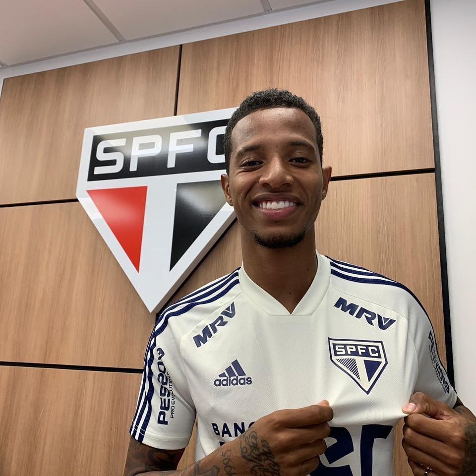 Болельщики «Сан-Паулу»: «Такое ощущение, что главный тренер «Динамо» расист или просто не любит бразильцев» - изображение 1