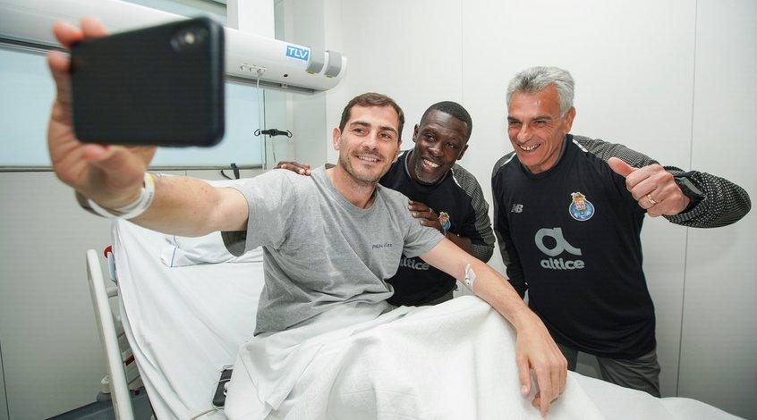 """Игроки """"Порту"""" проведали Касильяса, надев вратарские свитера с его фамилией (Фото)"""