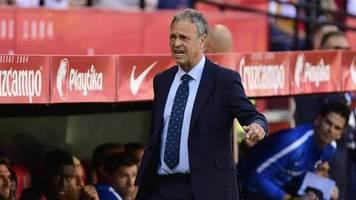 """Официально: Хоакин Капаррос покинет пост главного тренера """"Севильи"""", но останется работать в клубе"""