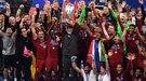 """Как """"Ливерпуль"""" отмечал победу в Лиге чемпионов в раздевалке команды (Видео)"""