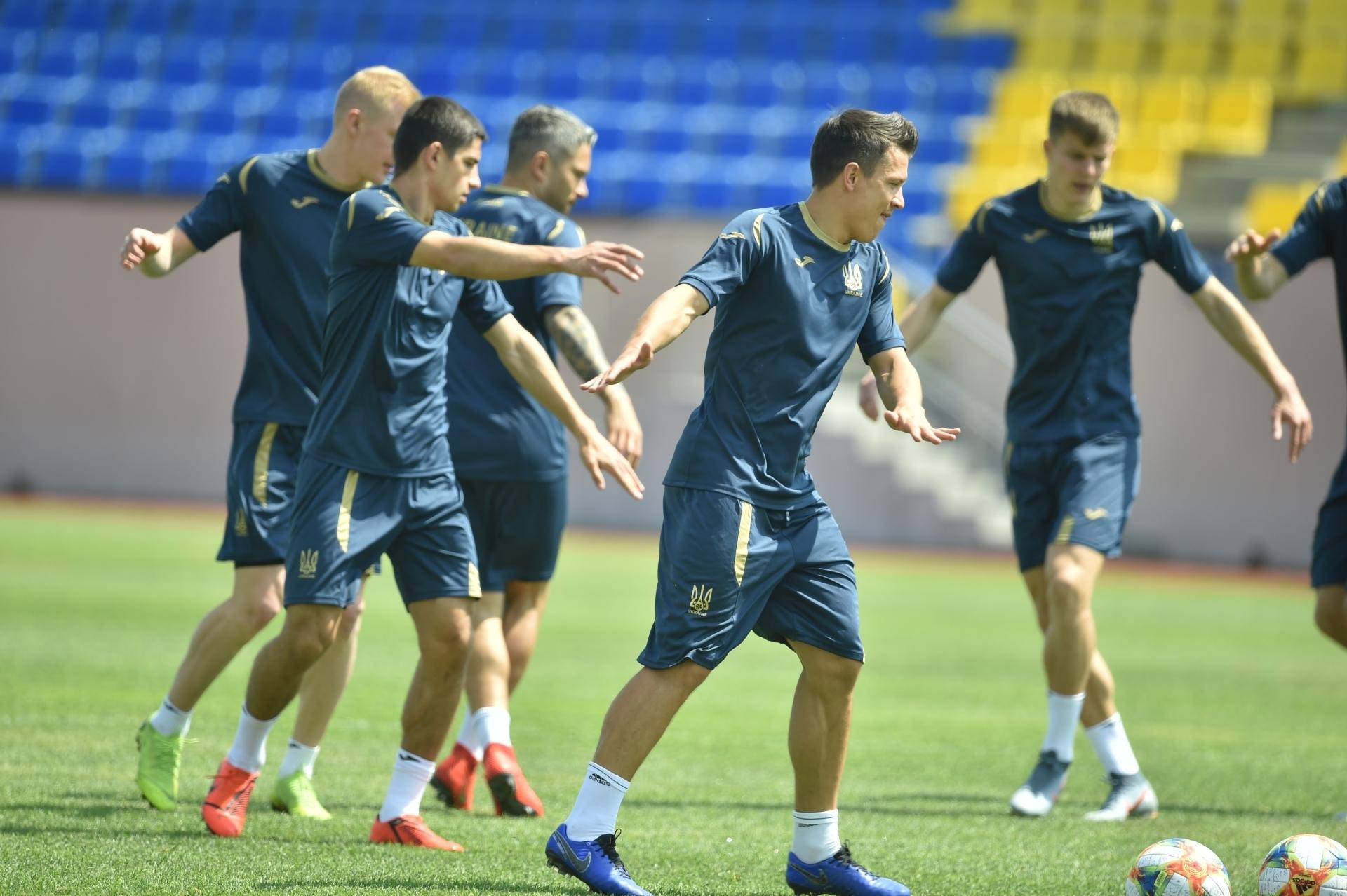 Збірна України: як пройшов перший день тренування у дворазовому режимі (Фото) - изображение 17