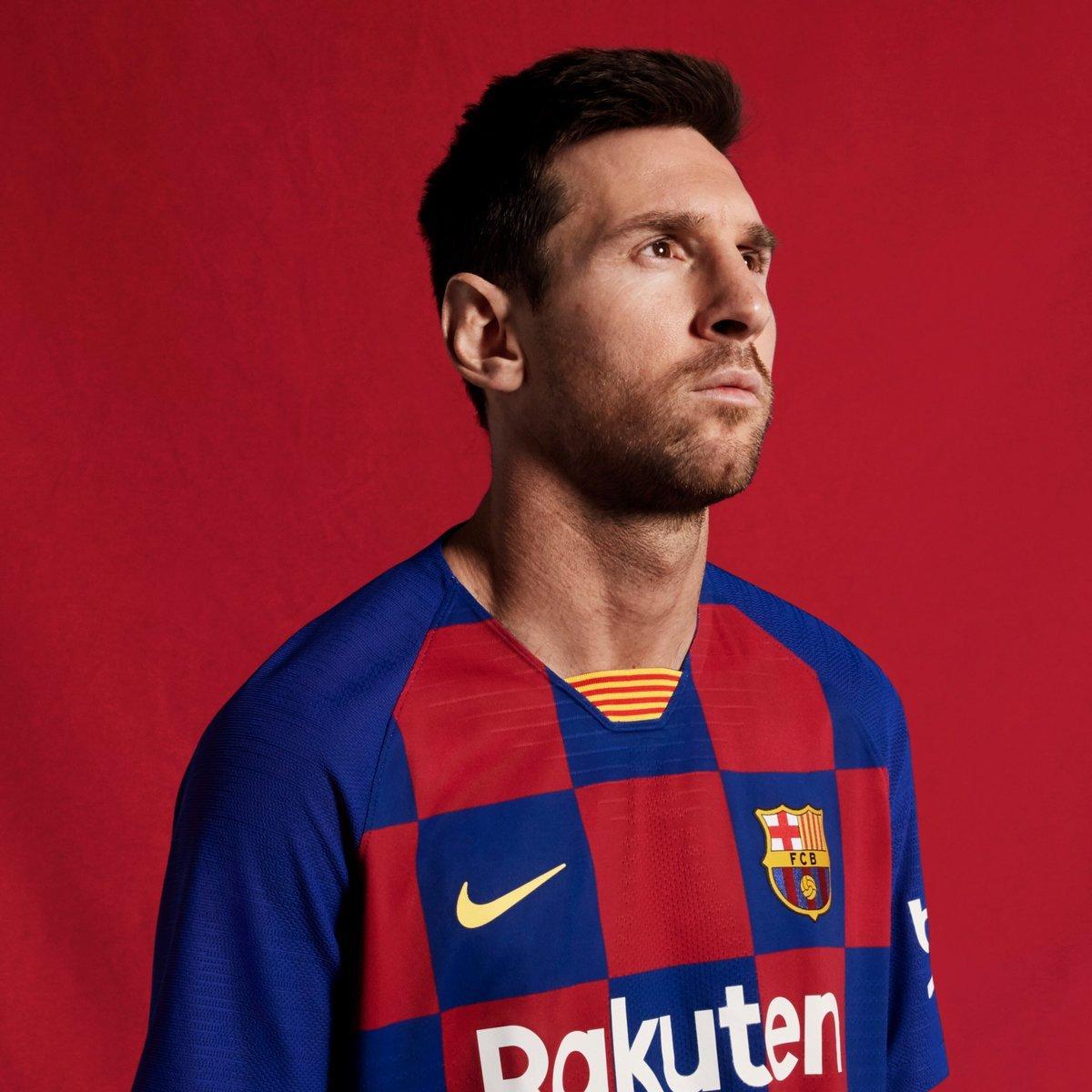 """Барселона"" представила домашнюю форму на сезон-2019/20 (Фото, Видео) - изображение 1"