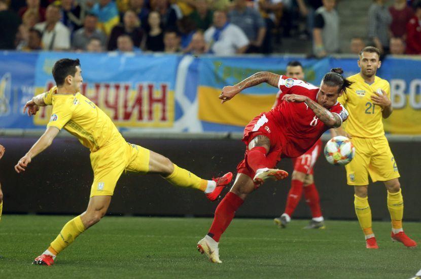 """Сербские болельщики: """"Или украинцы сидят на допинге, или отравили наших футболистов"""" - изображение 3"""