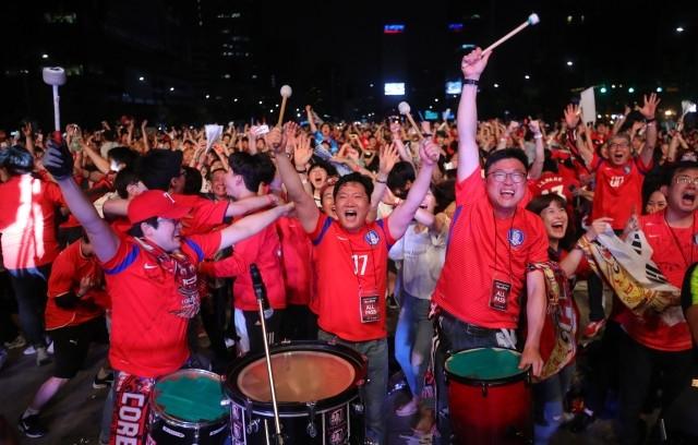 Миллионы корейцев не спали, чтобы посмотреть финал с Украиной, страна сходила с ума (Фото) - изображение 7