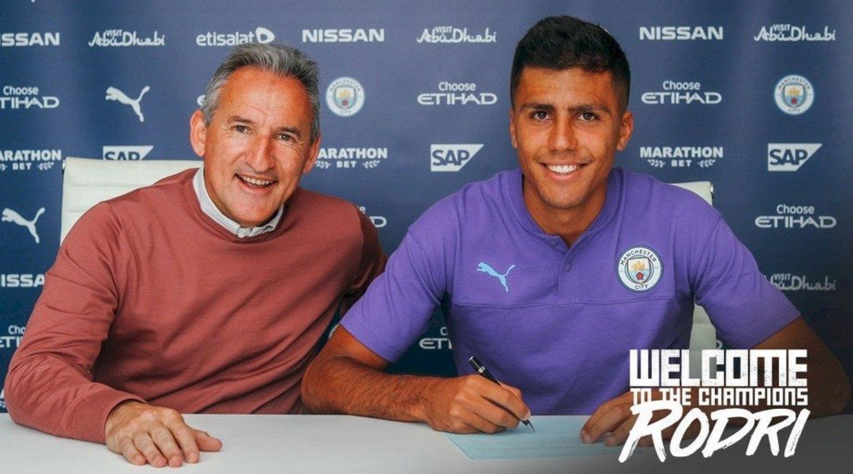 """Официально: """"Манчестер Сити"""" объявил о подписании контракта с Родриго Эрнандесом"""