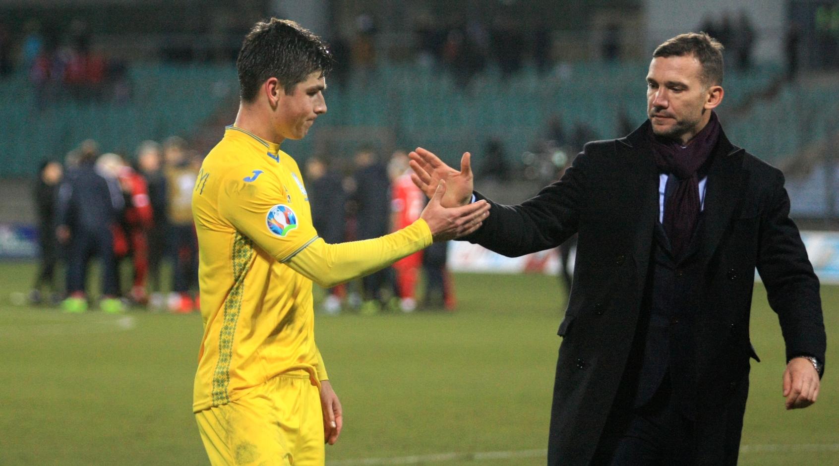 Руслан Малиновский - лучший игрок матча против Литвы по версии Instat, Мораес - худший
