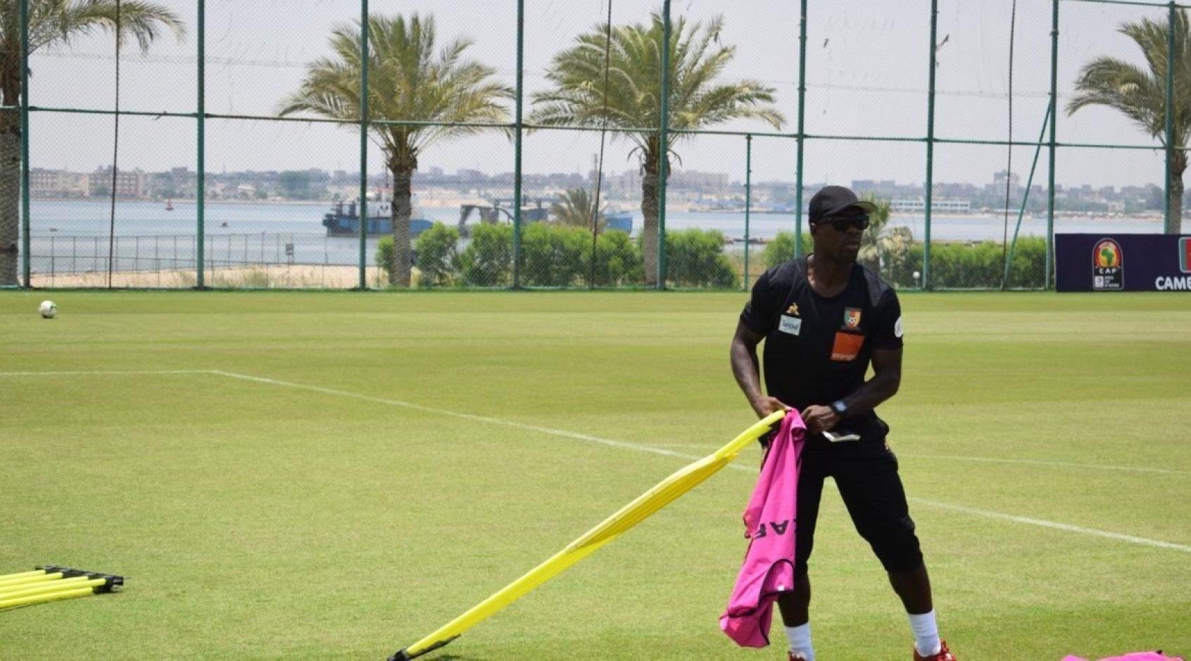 Официально: Кларенс Зеедорф больше не тренер Камеруна