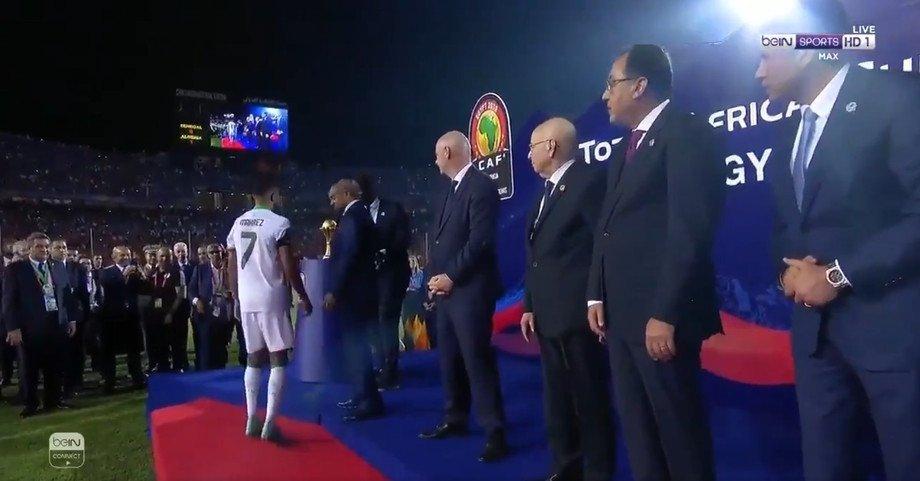Марез не пожал руку премьер-министру Египта, ему могут запретить въезд в страну (Фото) - изображение 2