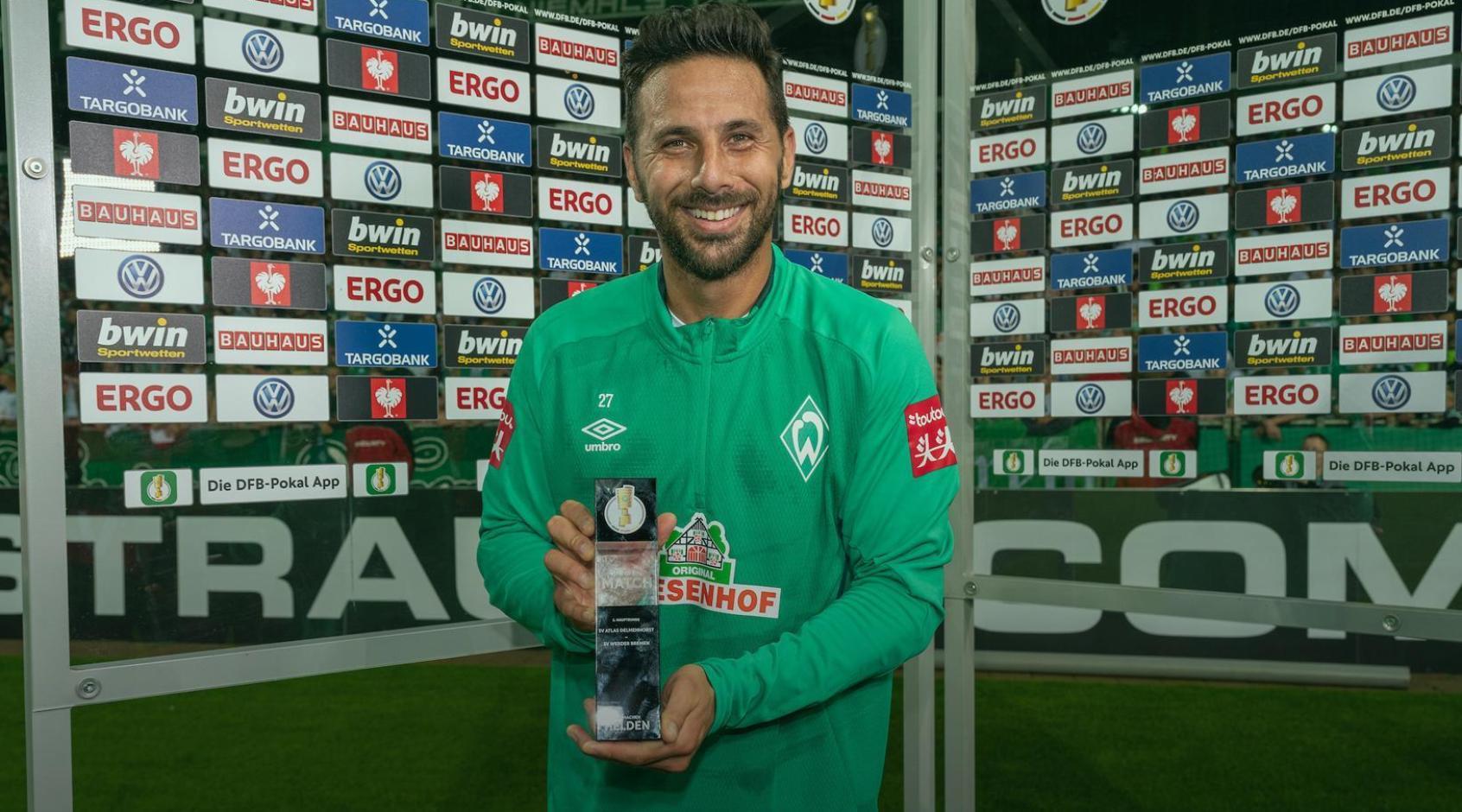 Клаудио Писарро стал самым возрастным автором дубля в Кубке Германии