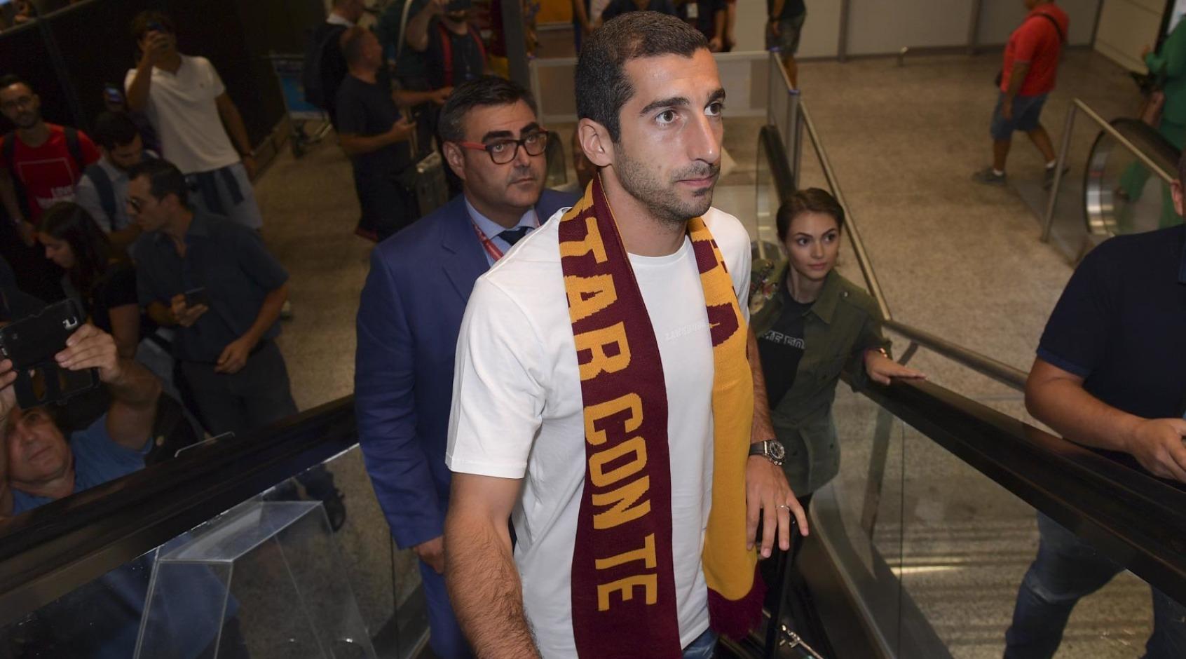 """Мхитарян прибыл в Рим для подписания контракта с """"Ромой"""" (Фото)"""