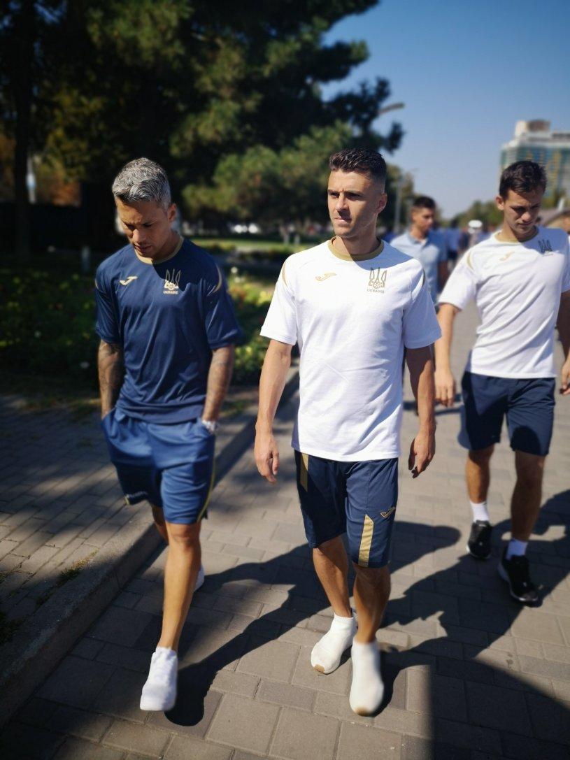 Збірна України прогулялася по Дніпру - изображение 4
