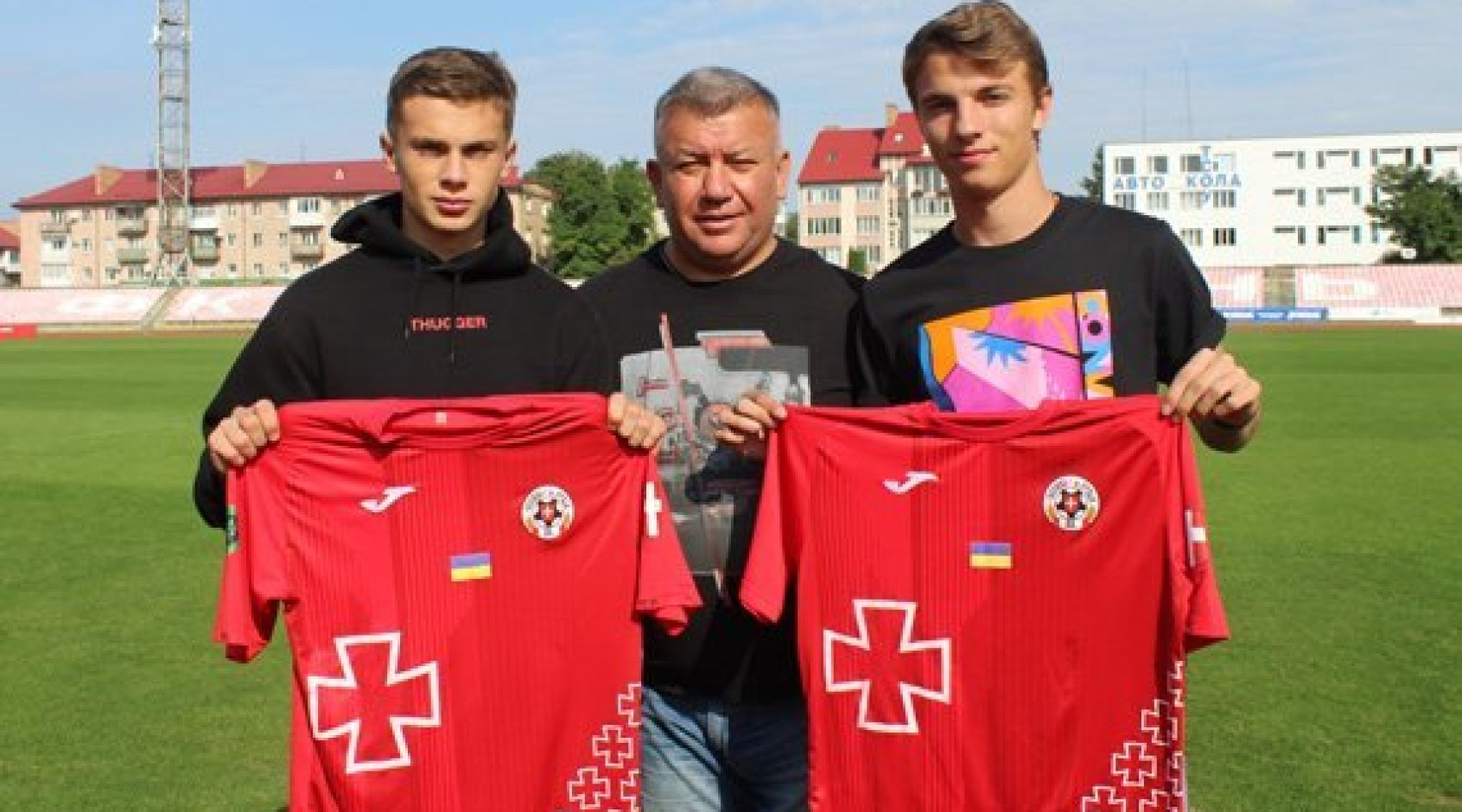 """Офіційно: """"Волинь"""" підписала екс-гравців """"Маріуполя"""" Мурзу та Головкіна"""