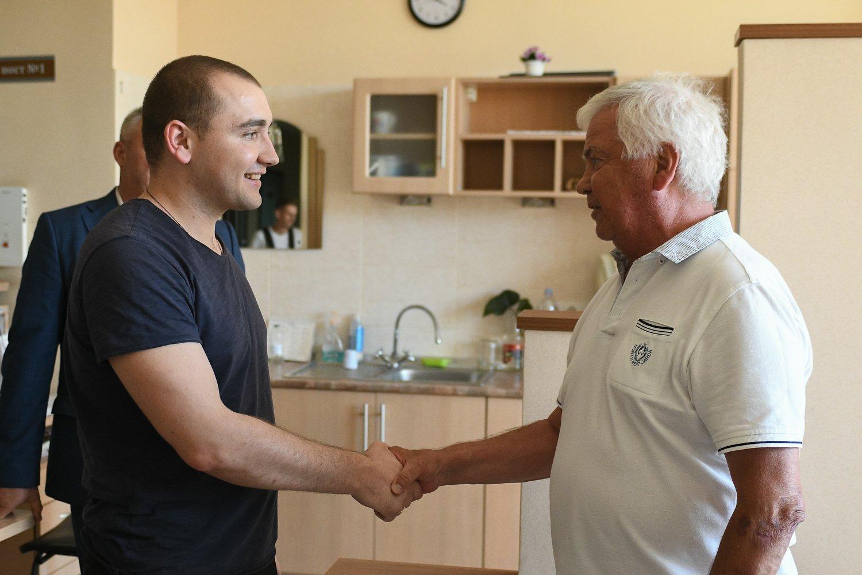 Динамовцы посетили моряков в Центральном госпитале Службы безопасности Украины - изображение 4