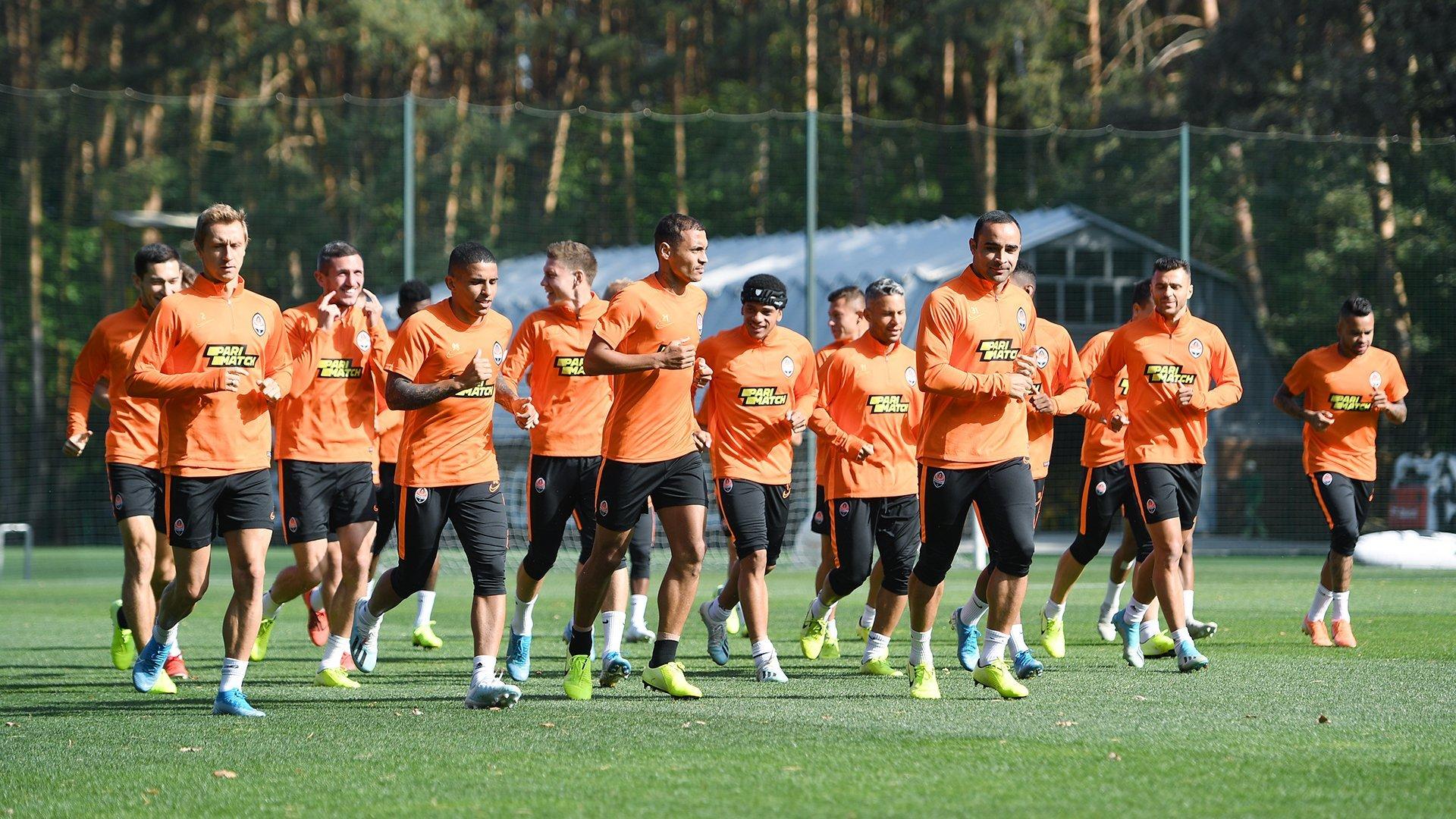 """Возвращение Каштру, Тайсон в шлеме и пятка Коно: """"Шахтер"""" готовится к """"Манчестер Сити"""" - изображение 16"""