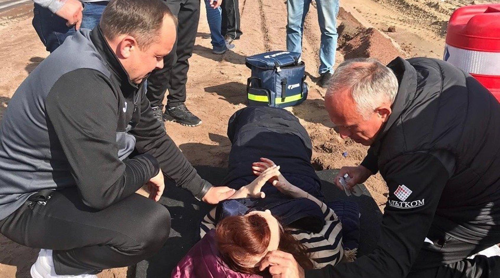 """Игроки и персонал """"Олимпика"""" оказали помощь пострадавшим в ДТП (Фото)"""